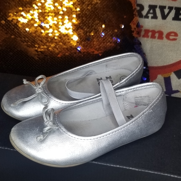 zoe & zac Other - 3/$20❤ silver flats with strap size 11